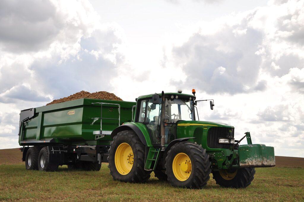 Wzrost liczby zarejestrowanych przyczep rolniczych w 2019 roku